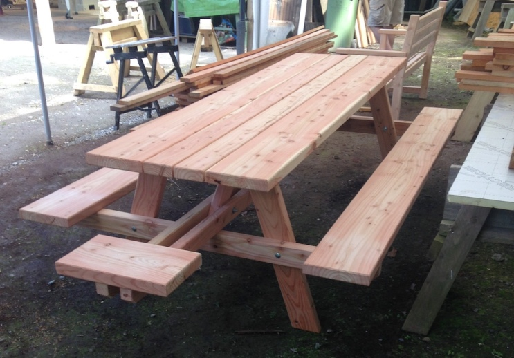 George picnic bench small